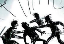 কল্লা কাটা অপবাদ দিয়ে ময়মনসিংহে দুই যুবককে পিটুনি; আটক ৩