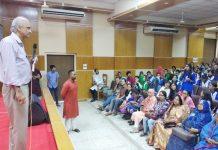 হবিগঞ্জের শিক্ষার্থীদের বিজ্ঞান চর্চায় অবিভূত নাসার সাবেক জ্যোতির্বিজ্ঞানী