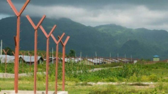 রোহিঙ্গা গ্রাম গুঁড়িয়ে দিয়ে সরকারি স্থাপনা বানাচ্ছে মিয়ানমার