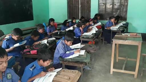 নেত্রকোনার মদনে প্রাথমিক বিদ্যালয় গুলোতে নেয়া হচ্ছে না মাল্টিমিডিয়া ক্লাস