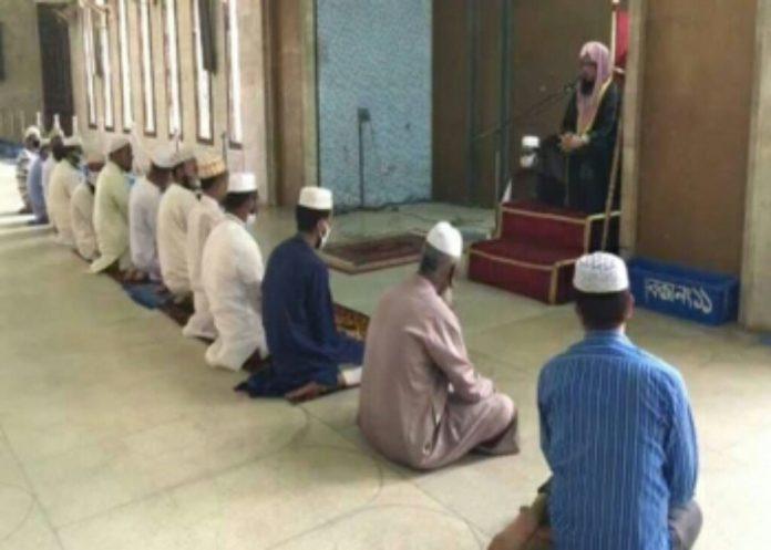 রমজানে পাকিস্তানে খুলে দেয়া হচ্ছে মসজিদ