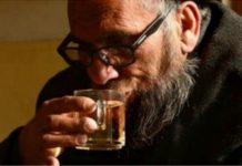 করোনা থেকে মুক্তি পেতে গরম পানি অ্যালকোহল নয়