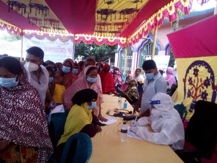 শাহজাদপুরে সালেহা জালাল ফাউন্ডেশনের উদ্যোগে ফ্রি মেডিকেল ক্যাম্প অনুষ্ঠিত