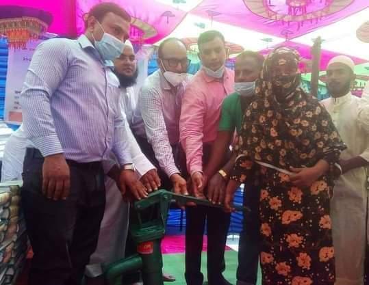 ঠাকুরগাঁওয়ের বালিয়াডাঙ্গীতে হতদরিদ্রের মাঝে টিউবওয়েল,ফলদবৃক্ষ ও কোরআন শরিফ বিতরণ